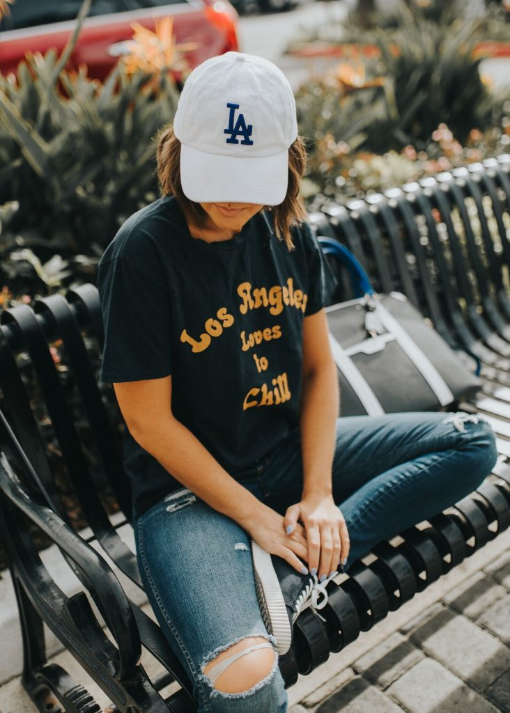 Los Angeles Loves to Chill graphic tee