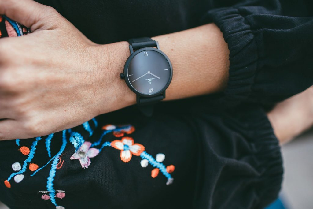 Kapten and Son all black watch