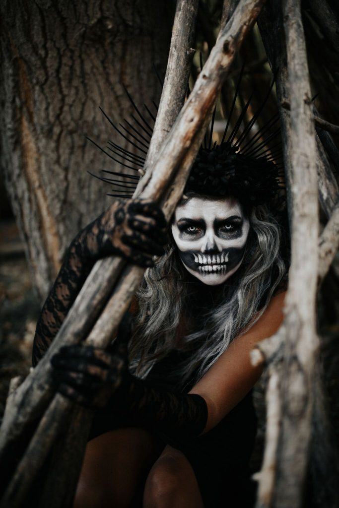 halloween; halloween makeup; halloween costume; skeleton; skeleton makeup; skeleton costume; skeleton queen; dr. martens